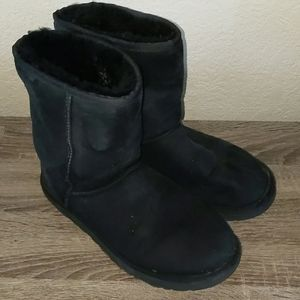 Ugg Mid Rise Boots